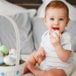 feeding-baby-eggs