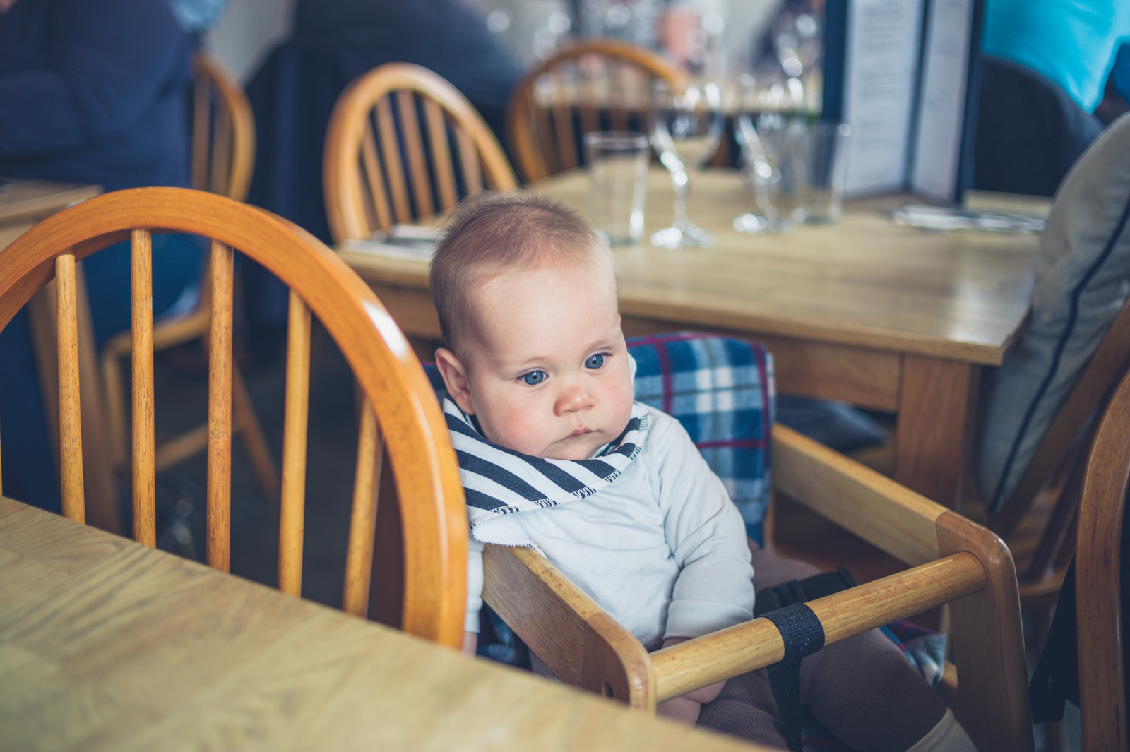 taking-baby-out-to-eat